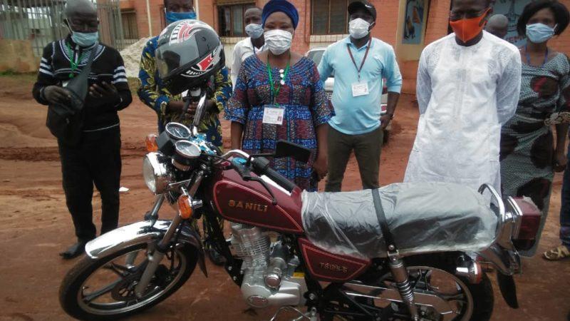 Radio FM Ahémé : un conseiller communal dote la radio communautaire d'un matériel roulant. .